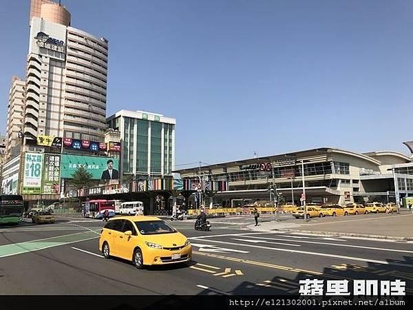 106.2.18未來台鐵高雄車站將有全新風貌,周邊房市也看好.jpg