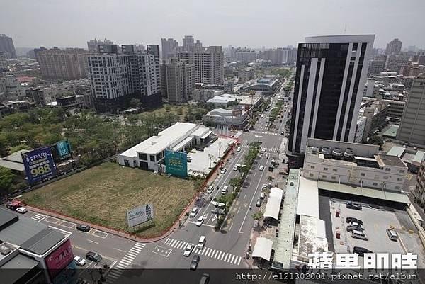 106.11.28文山特區澄清、文龍路口(紅框處),地主三地開發將以BOO模式打造商場影城,預計3年內完工,近年來區段房價漲幅已逾2成。.jpg