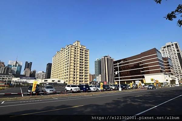 108.3.3京城建設(2524)今早公告,以總價約19.87億元、每坪229萬元,購入農十六特區緊鄰林皇宮至聖路旁867.91坪商四土地,再創今年高市商業地成交新高價記錄.jpg