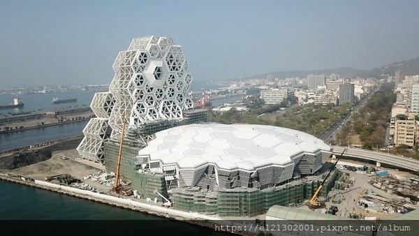 108.5.13高雄海洋文化及流行音樂中心預計8月份完工.jpg