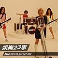 旺福-小民在演患有僵直性脊椎炎的吉他手