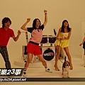 旺福-MV殺青後,四人突然一起跳舞,害我趕快裝鏡頭再拍