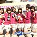 1『冰淇淋少女組。』元氣十足的拿大聲公在街頭為自己造勢2.JPG