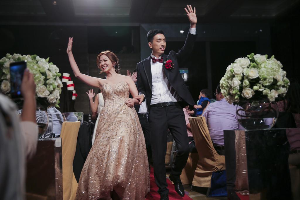 S-(小圖)-跳舞進場-2.JPG