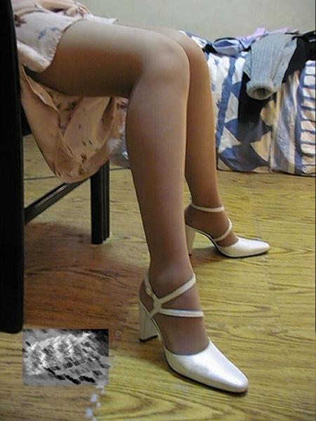 我的音樂老師的絲襪美腿 (7).jpg