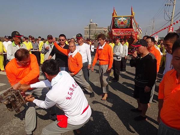 103-12-06東石先天宮-王船祭(140).JPG