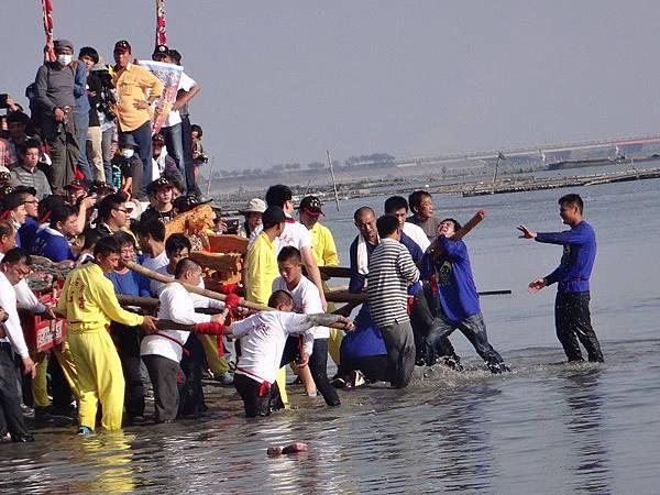 103-12-06東石先天宮-王船祭(194).JPG