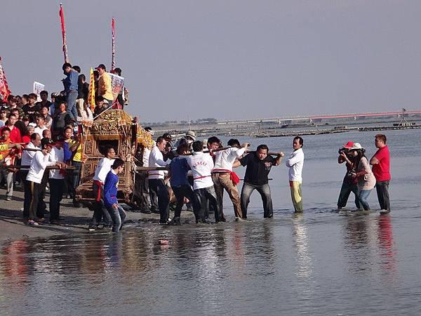 103-12-06東石先天宮-王船祭(202).JPG