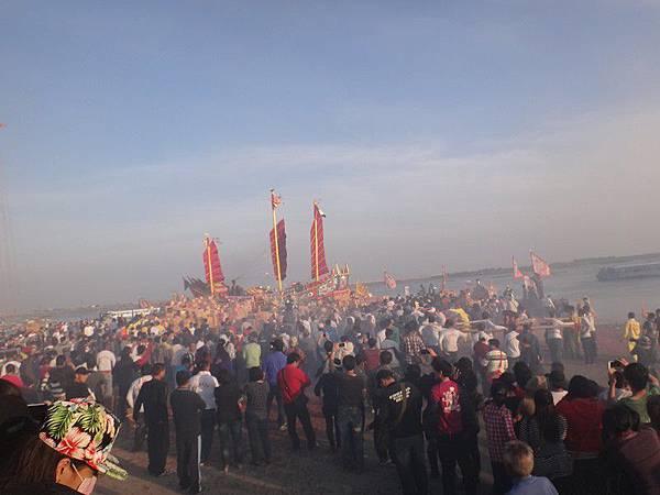 103-12-06東石先天宮-王船祭(216).JPG