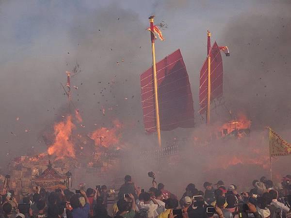 103-12-06東石先天宮-王船祭(226).JPG