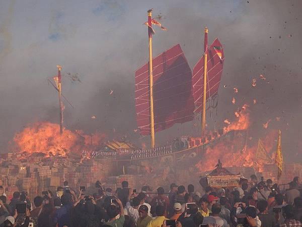 103-12-06東石先天宮-王船祭(227).JPG