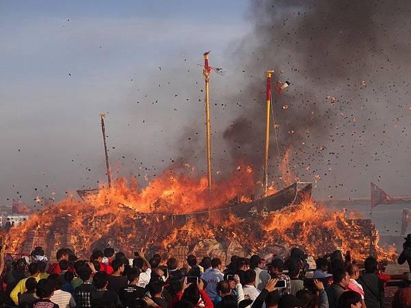 103-12-06東石先天宮-王船祭(228).JPG
