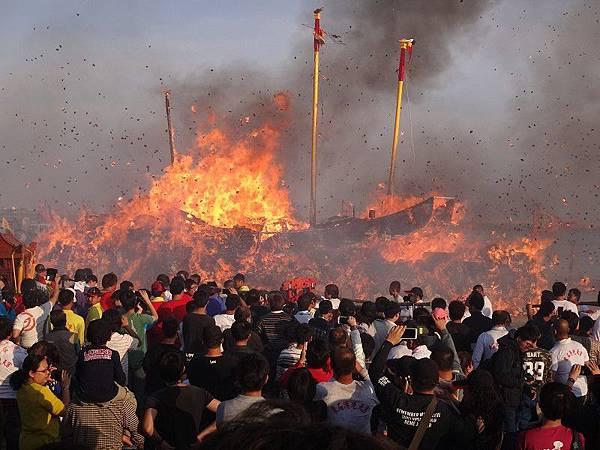 103-12-06東石先天宮-王船祭(231).JPG