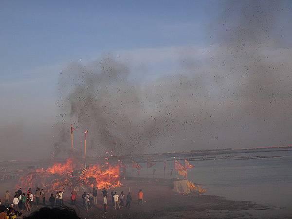 103-12-06東石先天宮-王船祭(232).JPG