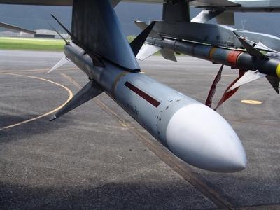 AIM-7M 麻雀中程空對空飛彈  Sparrow