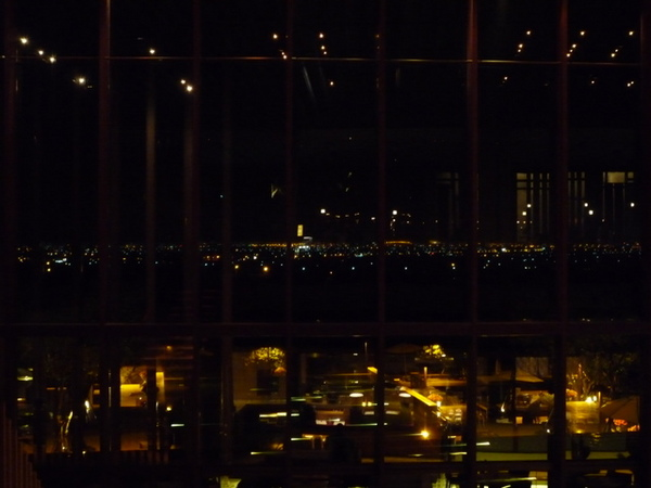 可以賞蘭陽平原夜景的大廳酒吧