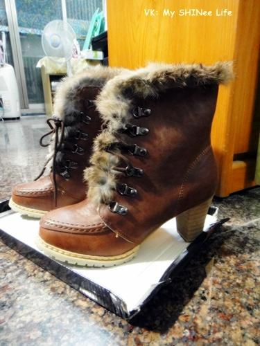 2011/02/12 和 Yuki 一起買的情侶靴 (到哪裡都一定要這樣講XD)