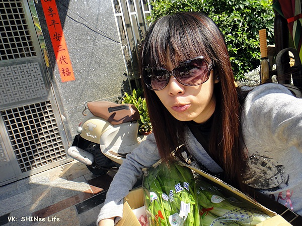 2011/02/07 運動+買菜完 被鎖在門外