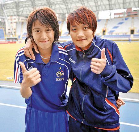 女足國腳譚汶琳(右)與陳曉娟(左)4.30..jpg