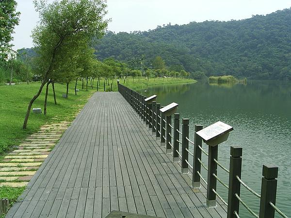 梅花湖.jpg
