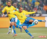 巴西29歲前鋒法比亞諾 6.22..jpg