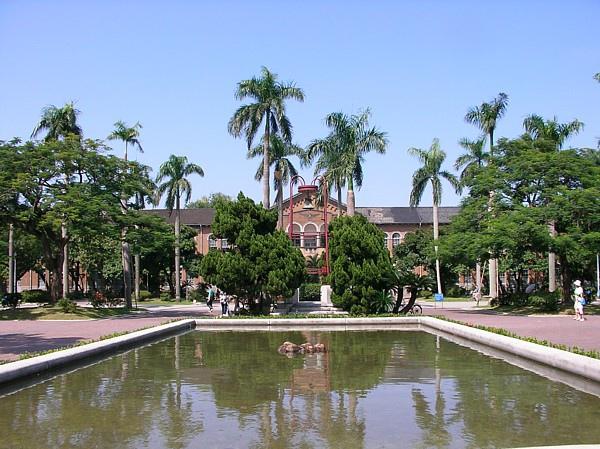 亞洲大學3.jpg