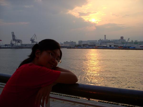 大阪港的夕陽