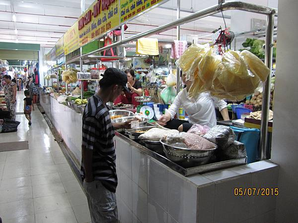一樓內的傳統市場區.