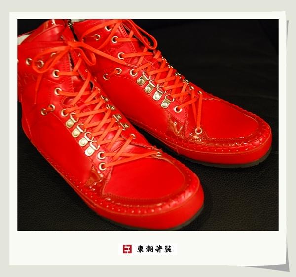 日本紅色休閒鞋