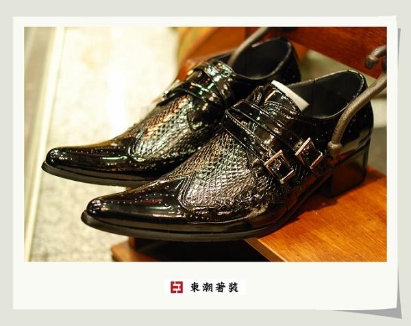 黑色設計款日本鞋款