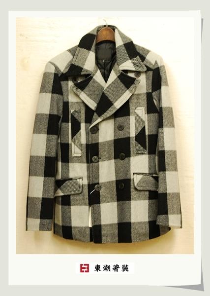 黑白復古格紋中版雙排釦大衣.jpg
