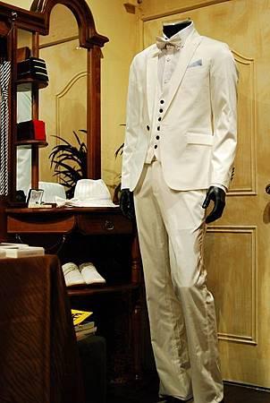 白色西裝外套成套