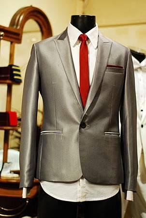 銀色西裝外套