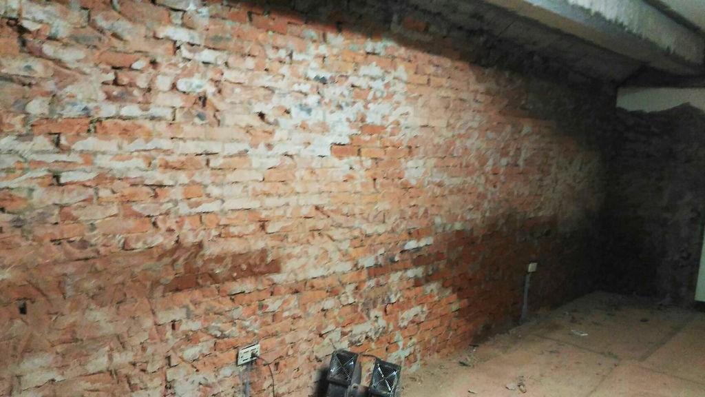 2漏水嚴重,紅磚嚴重出水.jpg