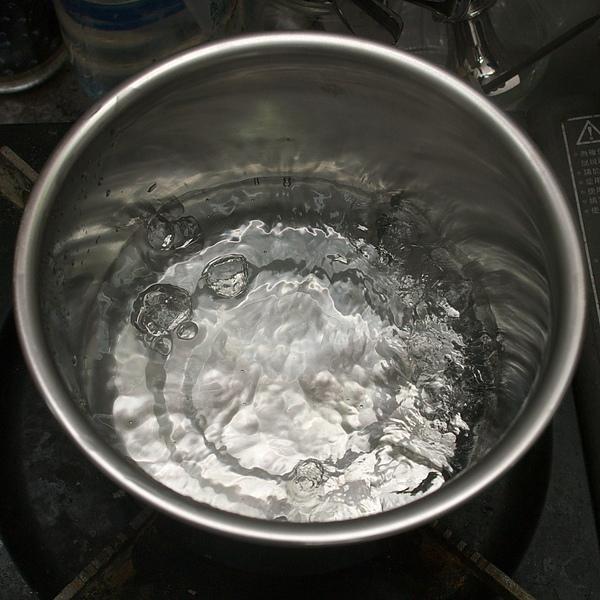 自製優酪乳步驟一:消毒鍋具
