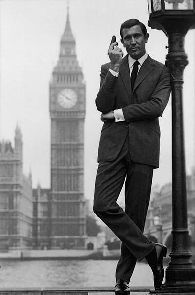 George Lazenby-01.jpg