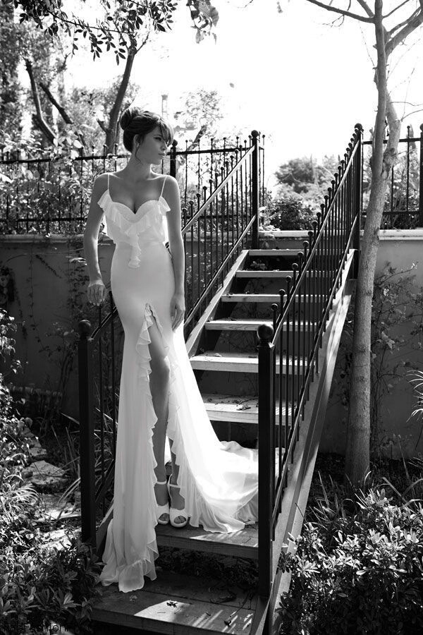 Julie Vino婚紗禮服.jpg