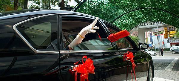 新娘丟扇子.jpg