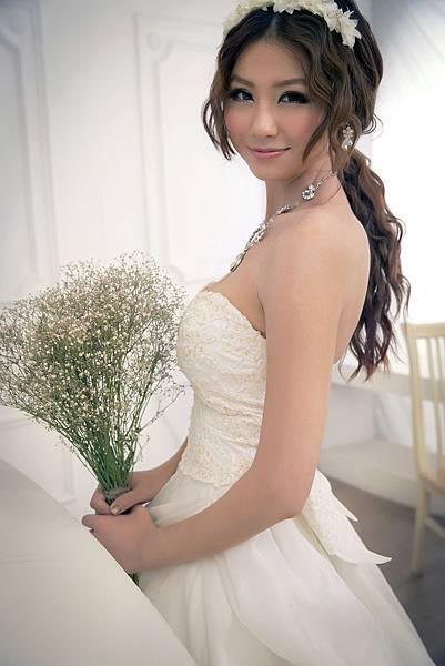 新娘秘書:劉小珍整体造型彩妝學苑