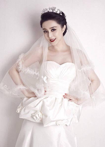 新娘造型-桃心領婚紗.jpg