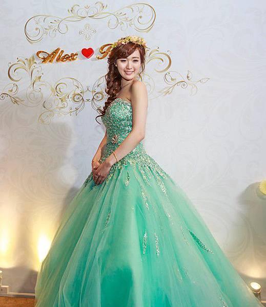 艾薇新祕-新娘造型側邊編髮.jpg