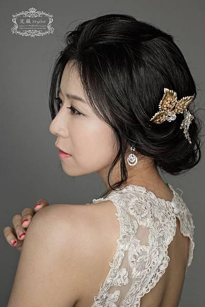 艾薇新祕-典雅氣質新娘造型.jpg