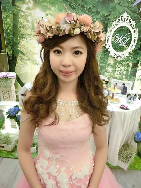 新娘造型-浪漫花圈3.jpg