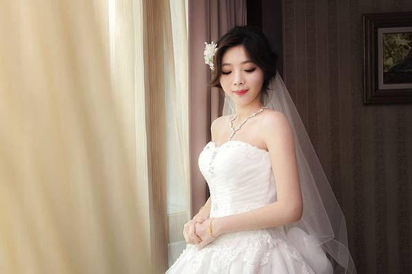 辛蒂愛麗絲-白紗新娘.jpg