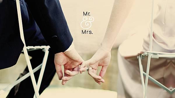 wedding-anniversary-gifts-dtl1.jpg