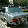 【易特商務網】1982年賓士BENZ W123  金龜車古董車出租