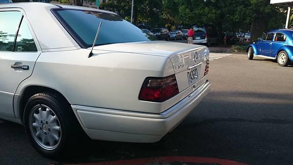 『易特商務網』1995年 BENZ E320 福斯卡門金龜車古董車出租