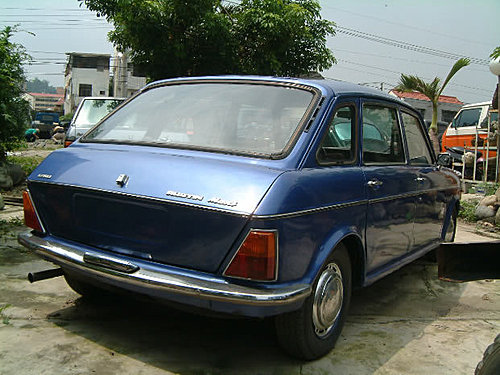 【易特商務網】1973英國AUSTIN MAXI五門斜背排氣量1750cc內部空間寬敞保養的很好古董車出租
