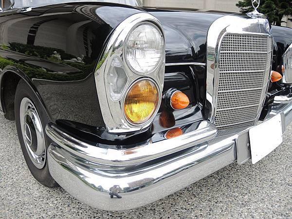 賓士古董車出租1966年 BENZ  (49).JPG