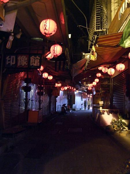 夜裡街景.jpg